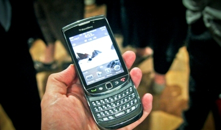 blackberry-torch-hands-on-photo-gallery-5