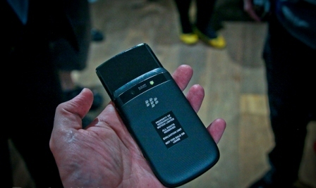 blackberry-torch-hands-on-photo-gallery-7