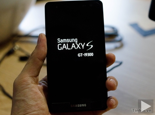Samsung S III i9300 Video and Sample Pictures [Caught]